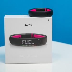 Nike+ Fuelband SE Fitness Tracker2