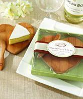 Kate Aspen Tastefully Yours Heart-Shaped Bamboo Cheese Board2